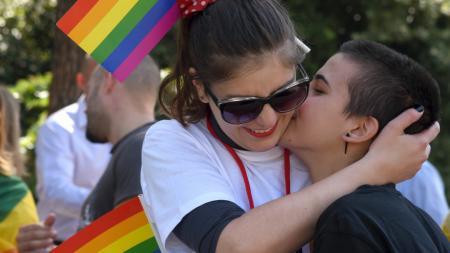 Правительство Черногории утвердило проект закона об однополых браках